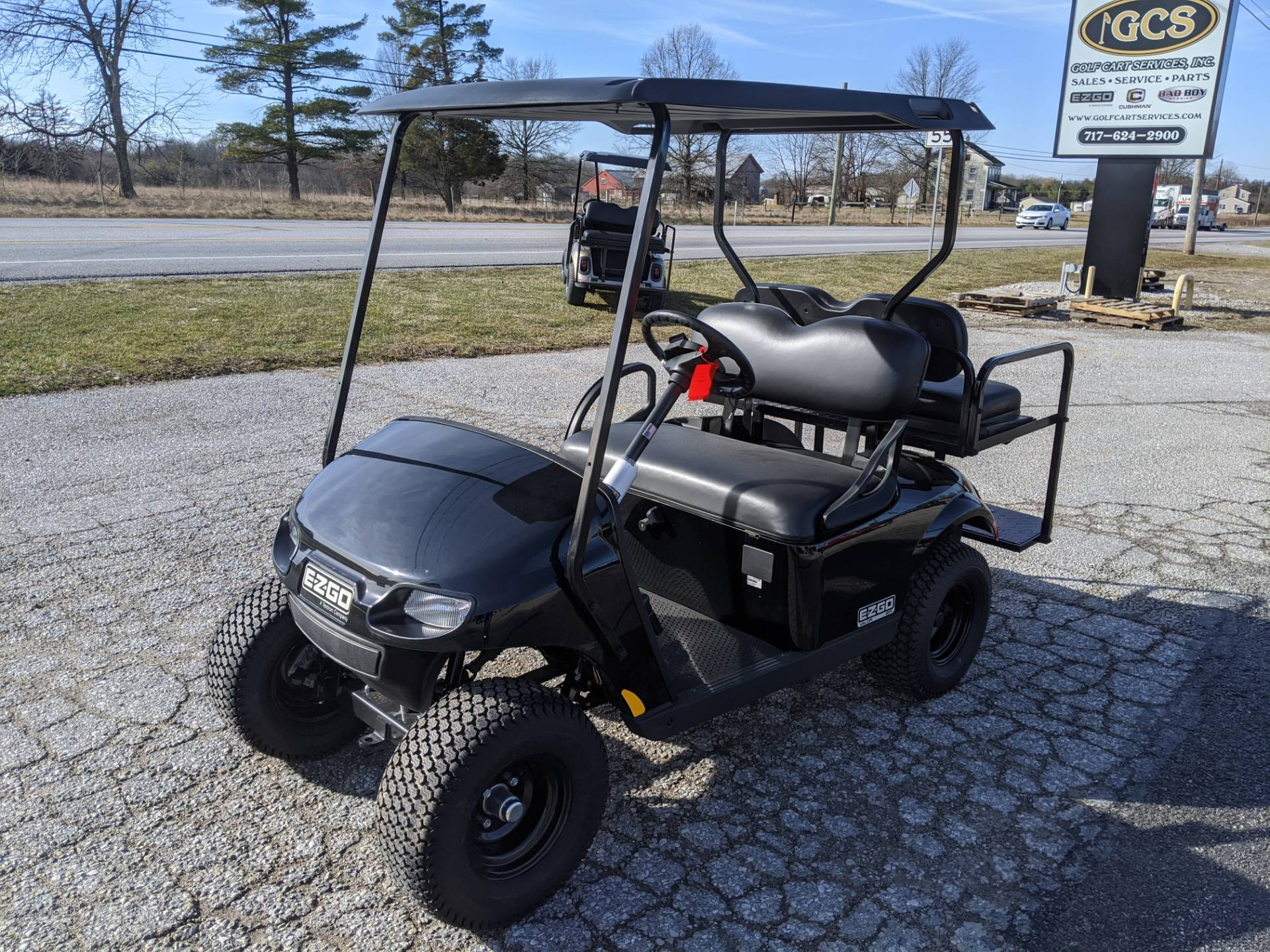2019 E-Z-GO VALOR EFI in New Oxford, Pennsylvania - Photo 1