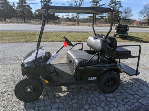 2019 E-Z-GO VALOR EFI in New Oxford, Pennsylvania - Photo 2