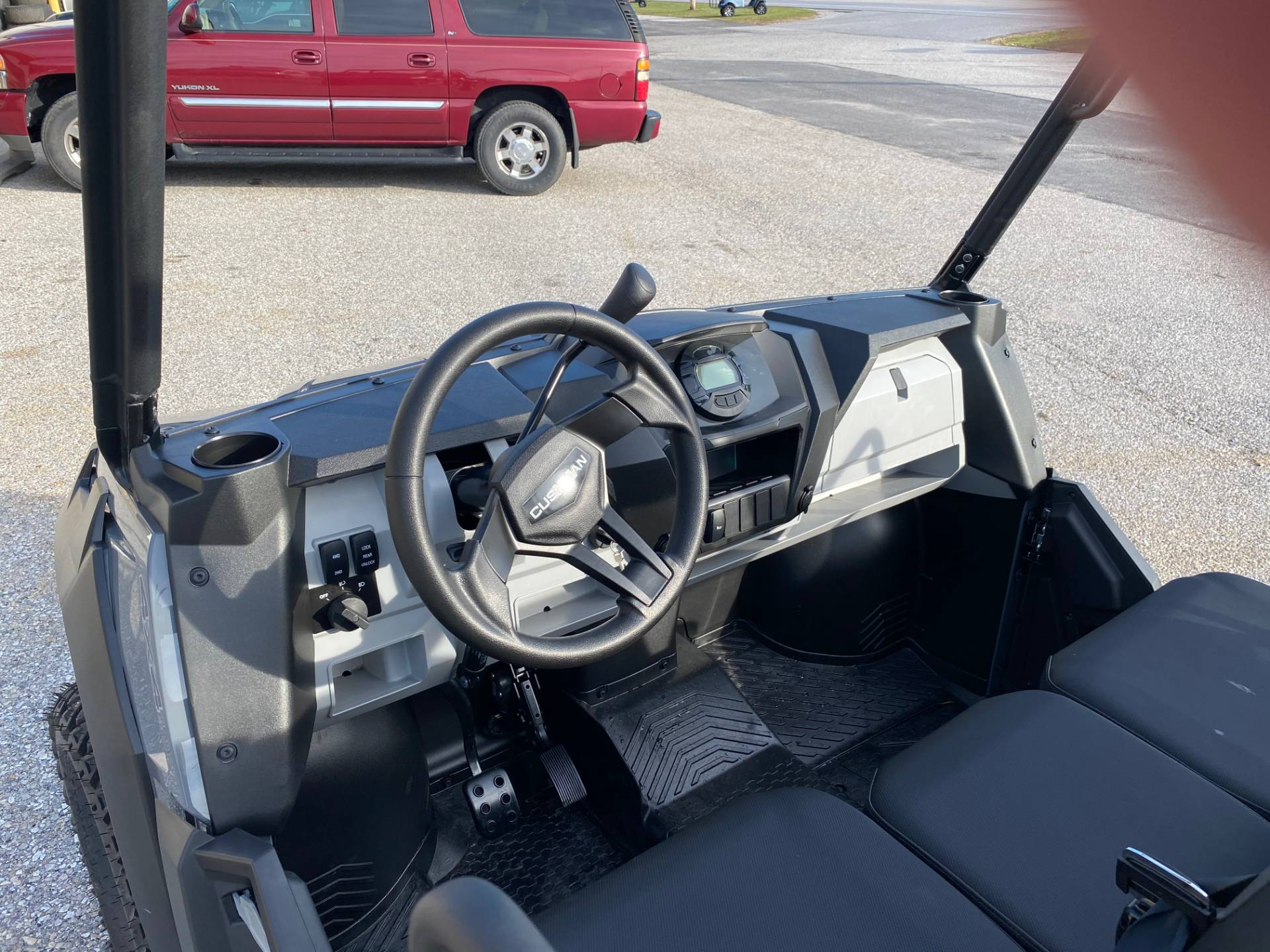 2020 Cushman HAULER 4X4 EFI in New Oxford, Pennsylvania - Photo 4