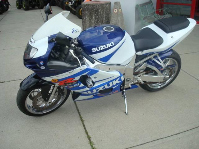2002 GSXR750