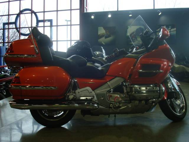2003 gl1800 GOLD WING