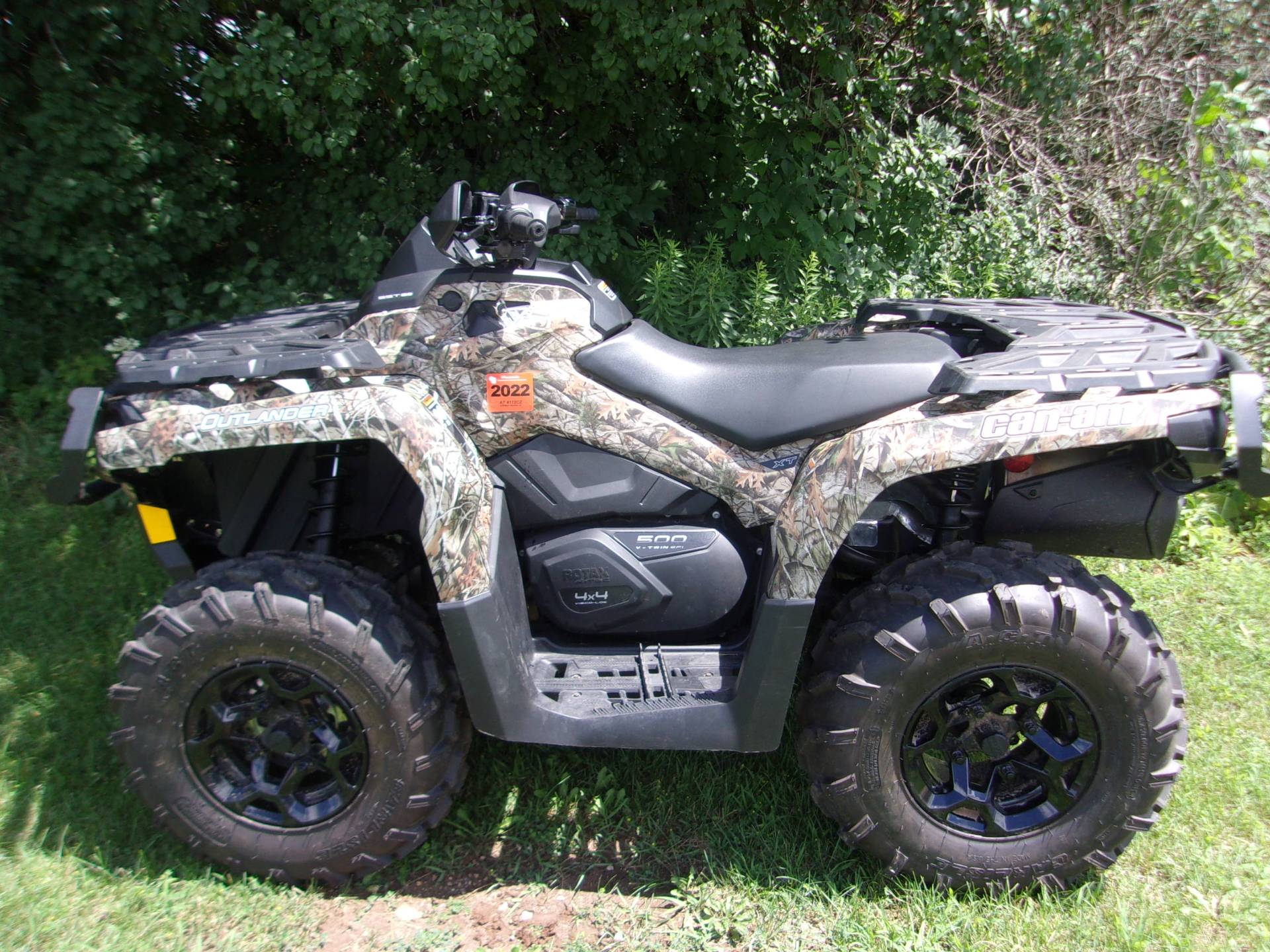 2014 Can-Am Outlander™ XT™ 500 in Mukwonago, Wisconsin - Photo 4