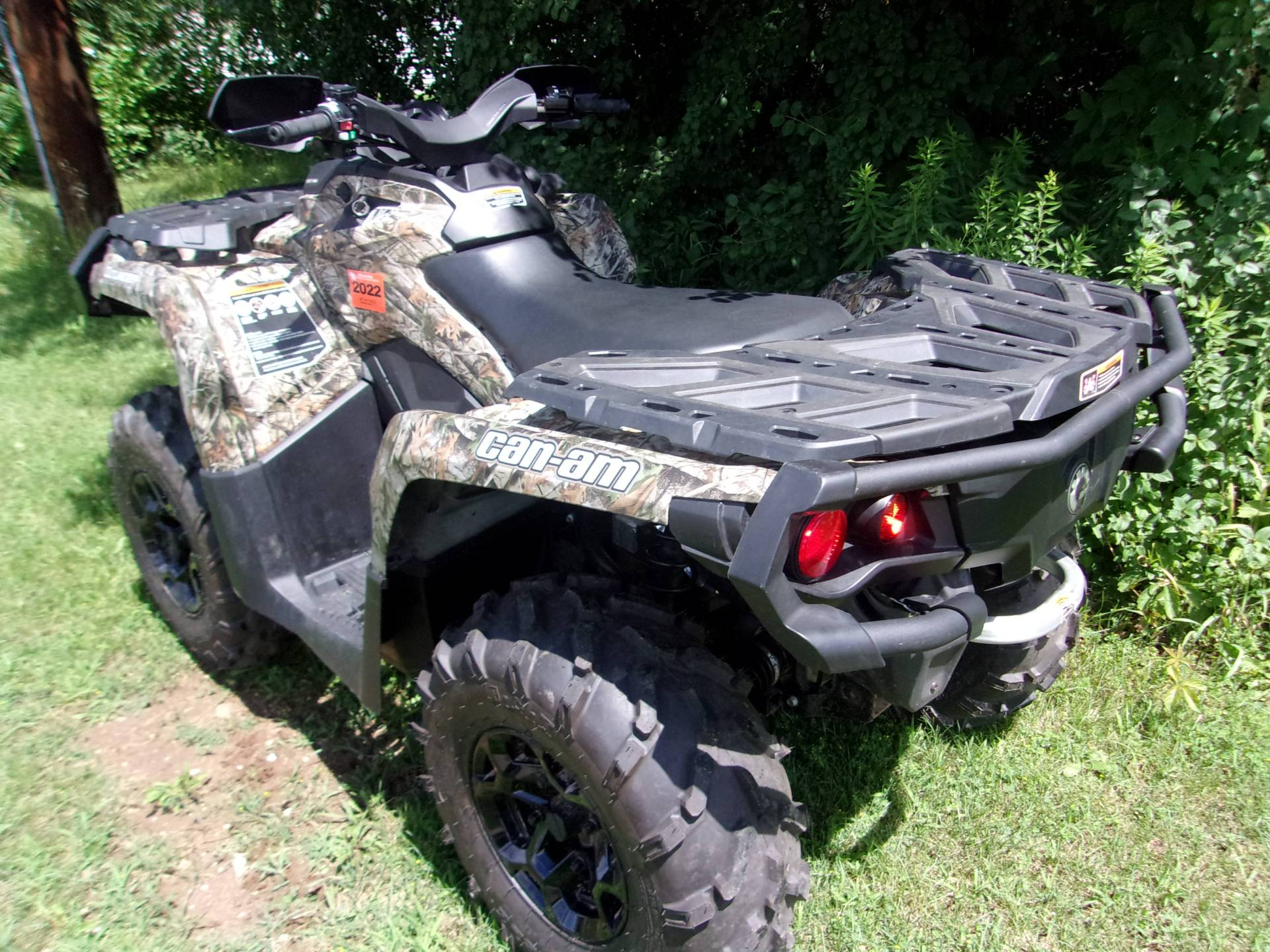 2014 Can-Am Outlander™ XT™ 500 in Mukwonago, Wisconsin - Photo 6