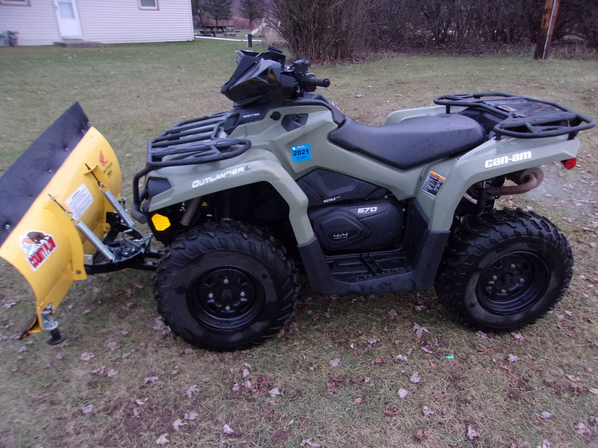 2016 Can-Am Outlander L 570 in Mukwonago, Wisconsin - Photo 2