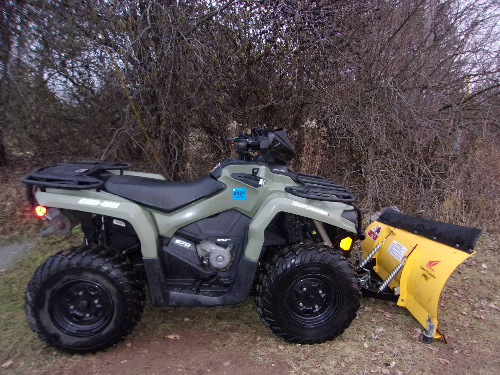 2016 Can-Am Outlander L 570 in Mukwonago, Wisconsin - Photo 4