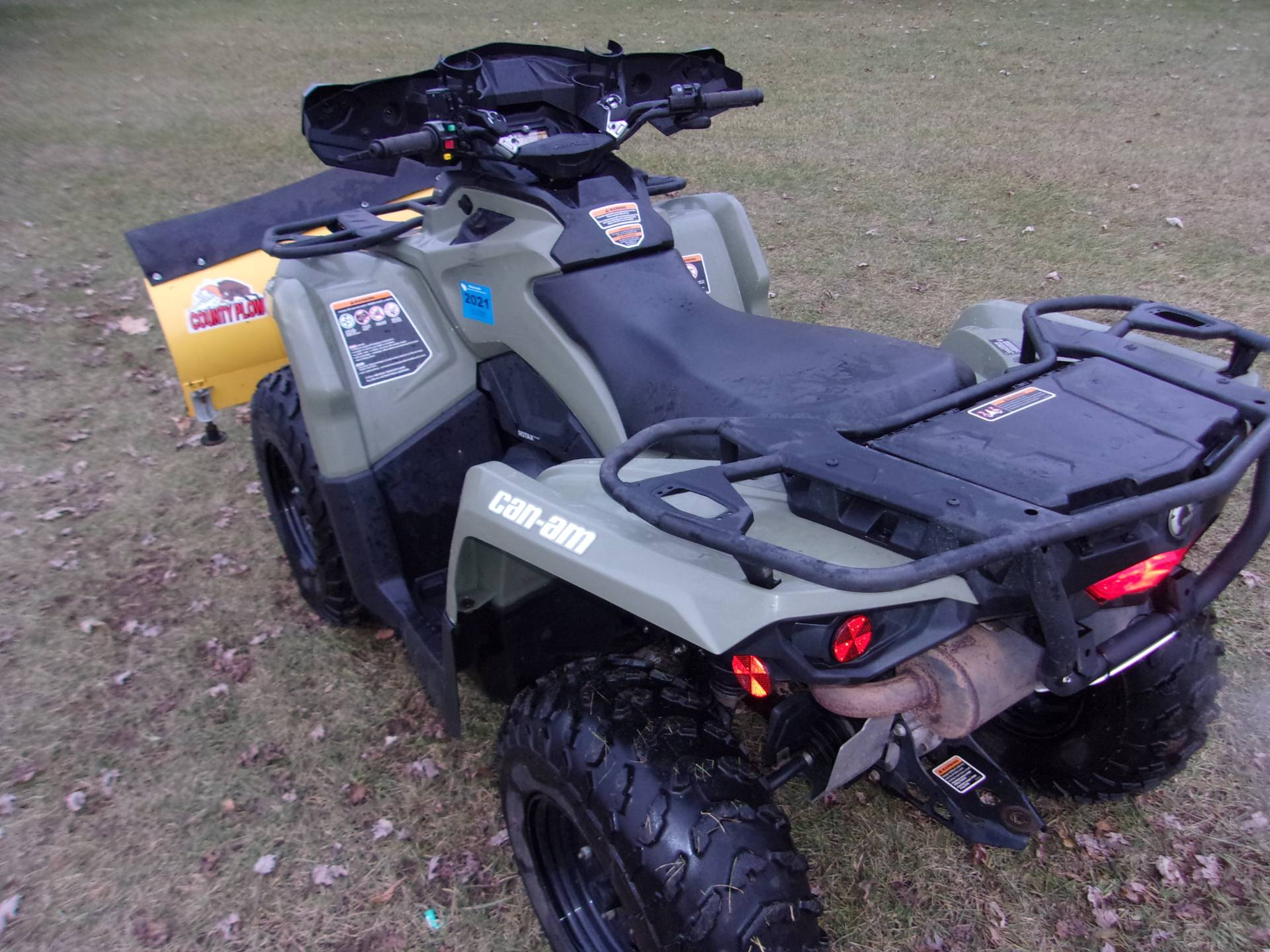2016 Can-Am Outlander L 570 in Mukwonago, Wisconsin - Photo 6