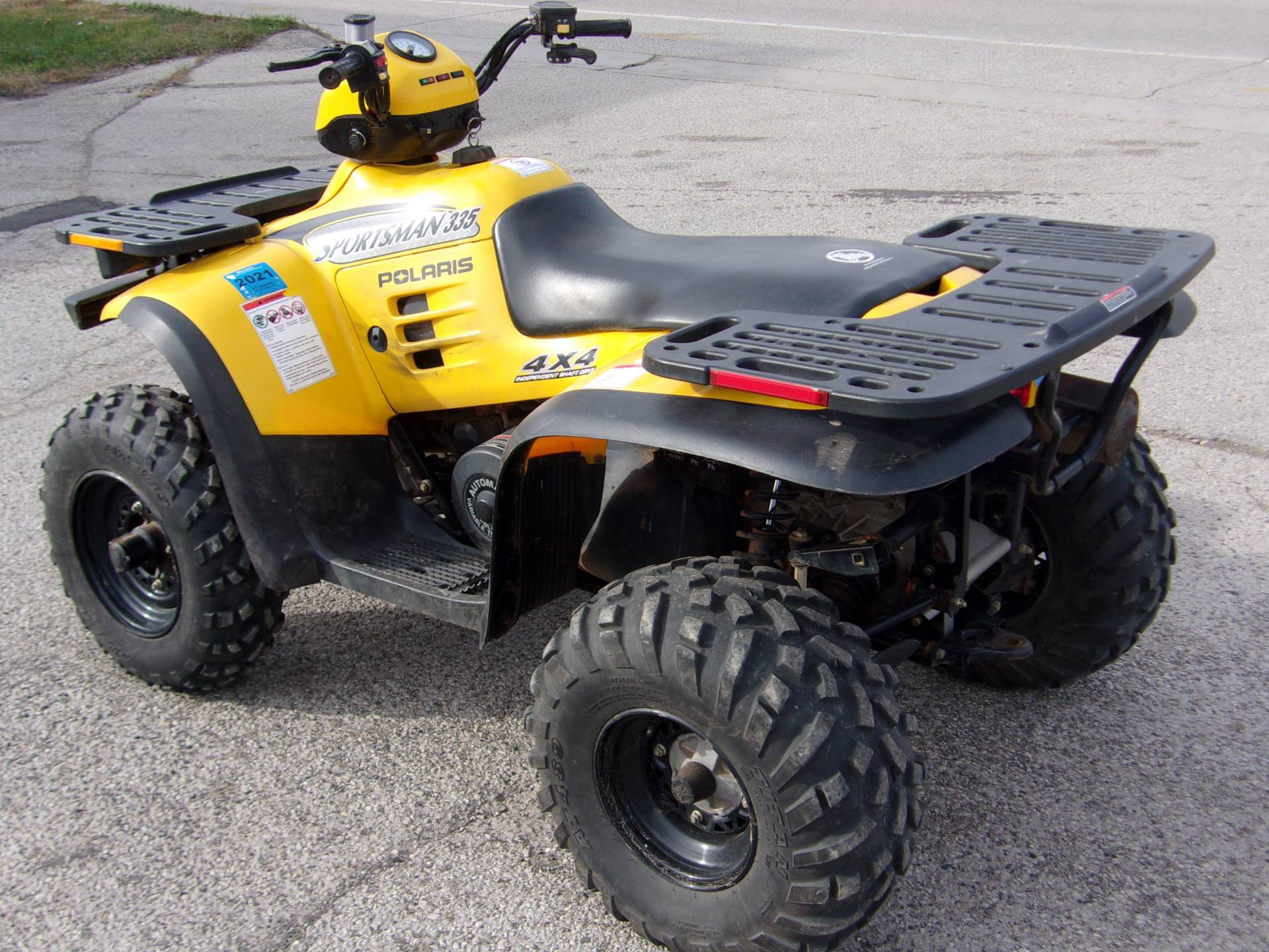 2000 Polaris Sportsman 335 in Mukwonago, Wisconsin - Photo 8