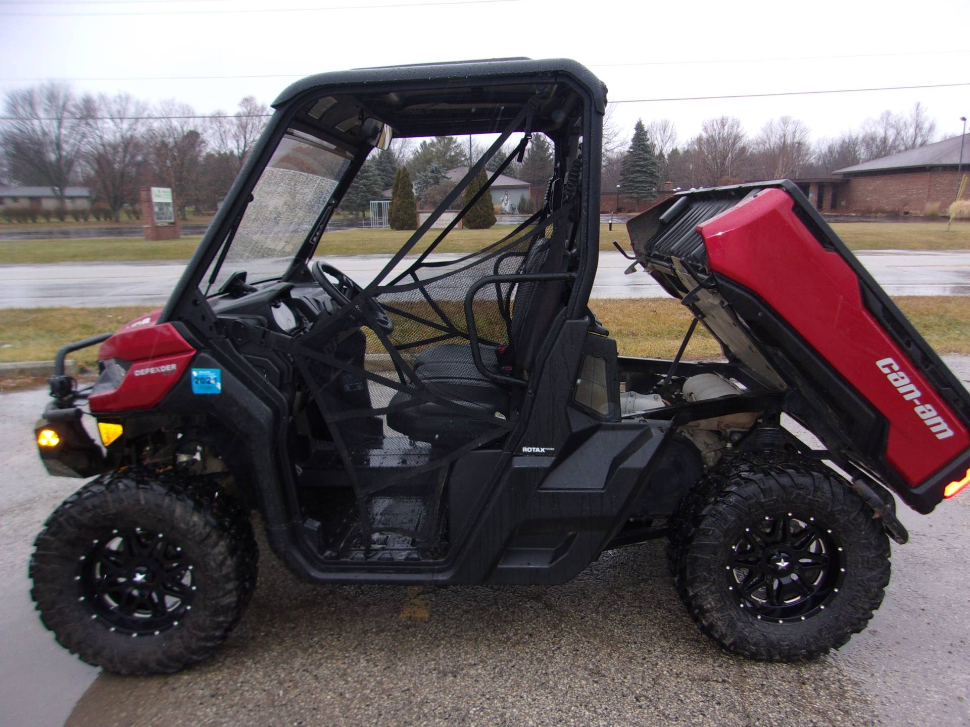 2017 Can-Am Defender XT HD8 in Mukwonago, Wisconsin - Photo 1