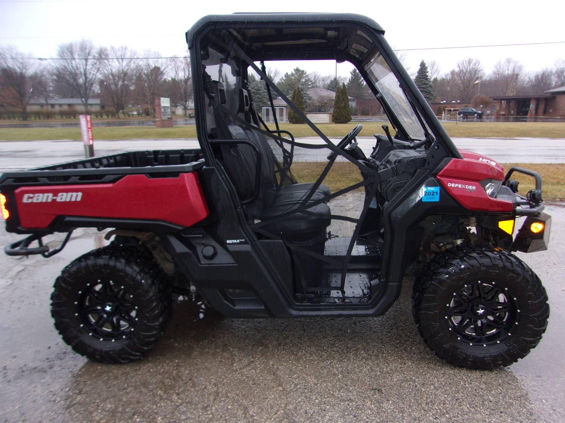 2017 Can-Am Defender XT HD8 in Mukwonago, Wisconsin - Photo 2
