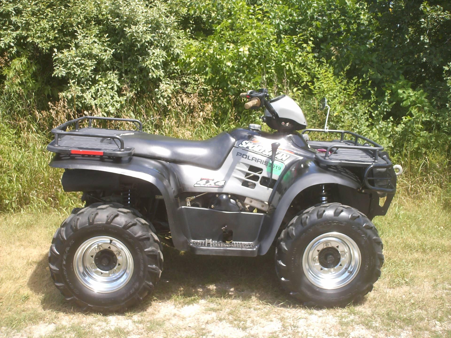 2002 Polaris Sportsman 700 Twin ATVs Mukwonago Wisconsin