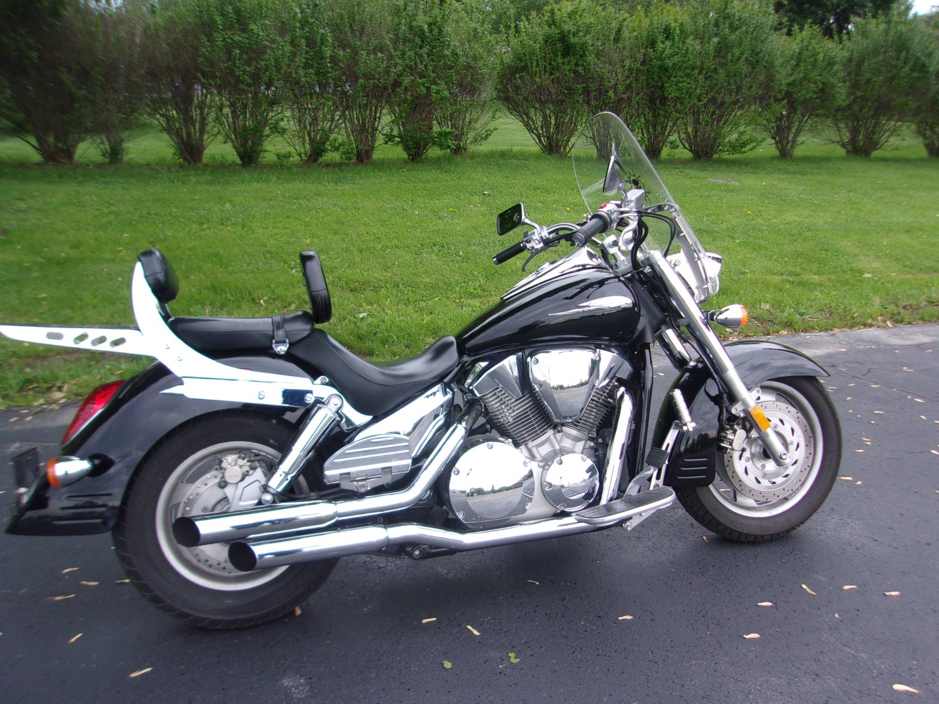 2005 Honda VTX™ 1300R in Mukwonago, Wisconsin - Photo 1