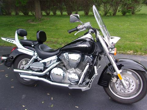 2005 Honda VTX™ 1300R in Mukwonago, Wisconsin - Photo 3