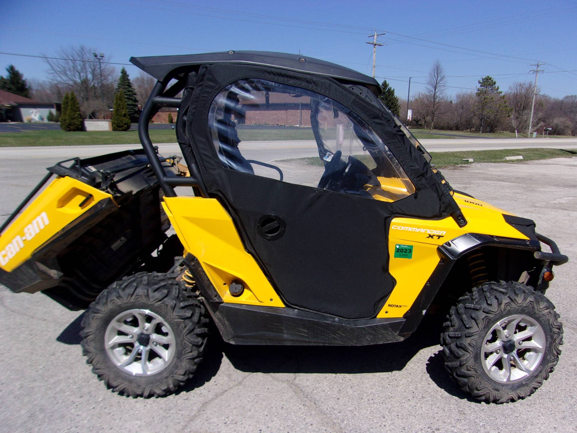 2015 Can-Am Commander™ XT™ 1000 in Mukwonago, Wisconsin - Photo 1