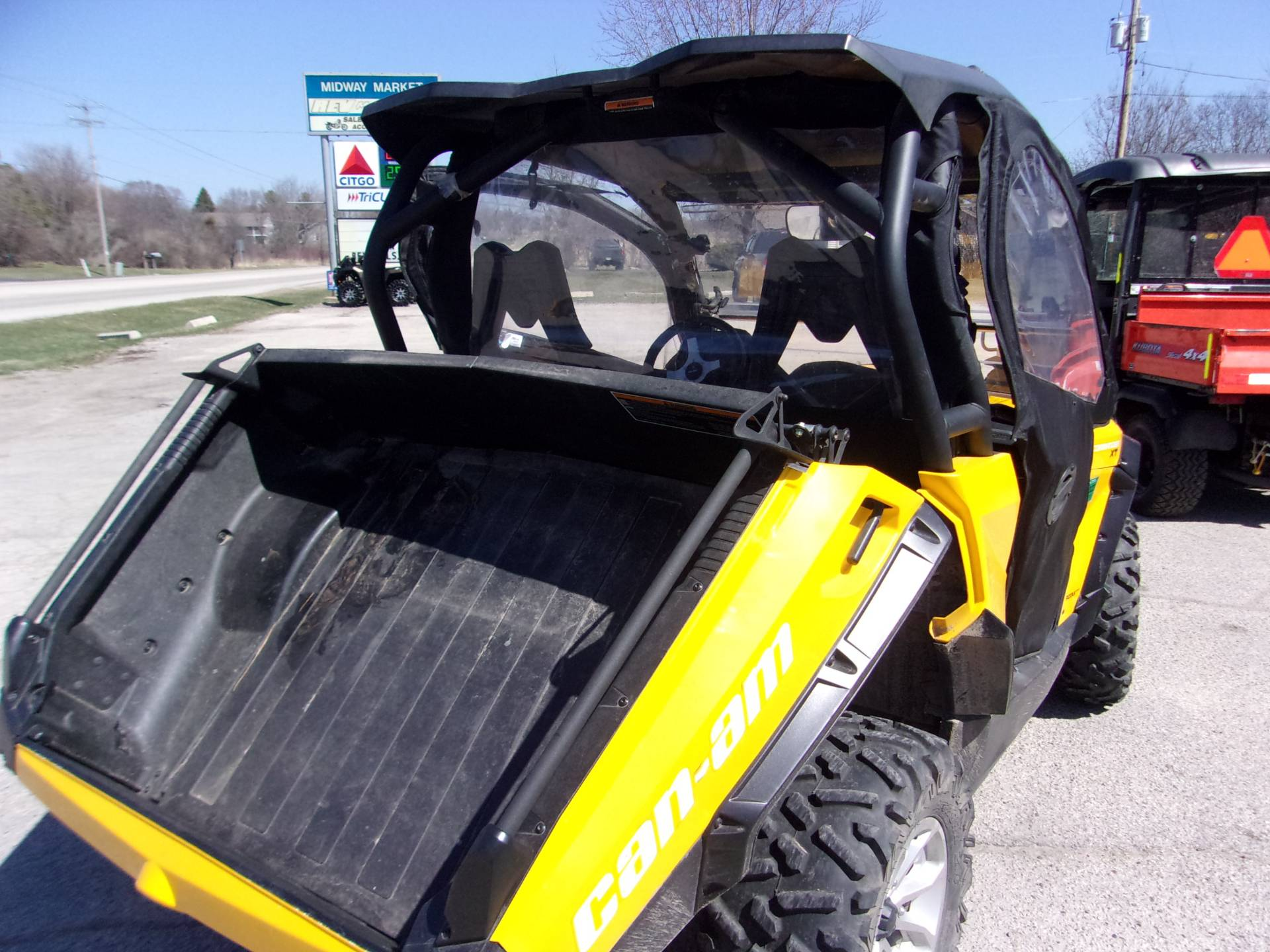 2015 Can-Am Commander™ XT™ 1000 in Mukwonago, Wisconsin - Photo 7