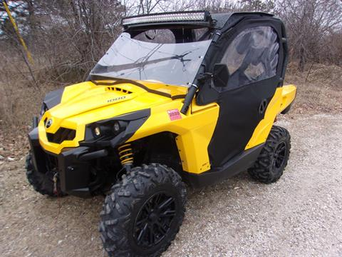 2015 Can-Am Commander™ XT™ 1000 in Mukwonago, Wisconsin