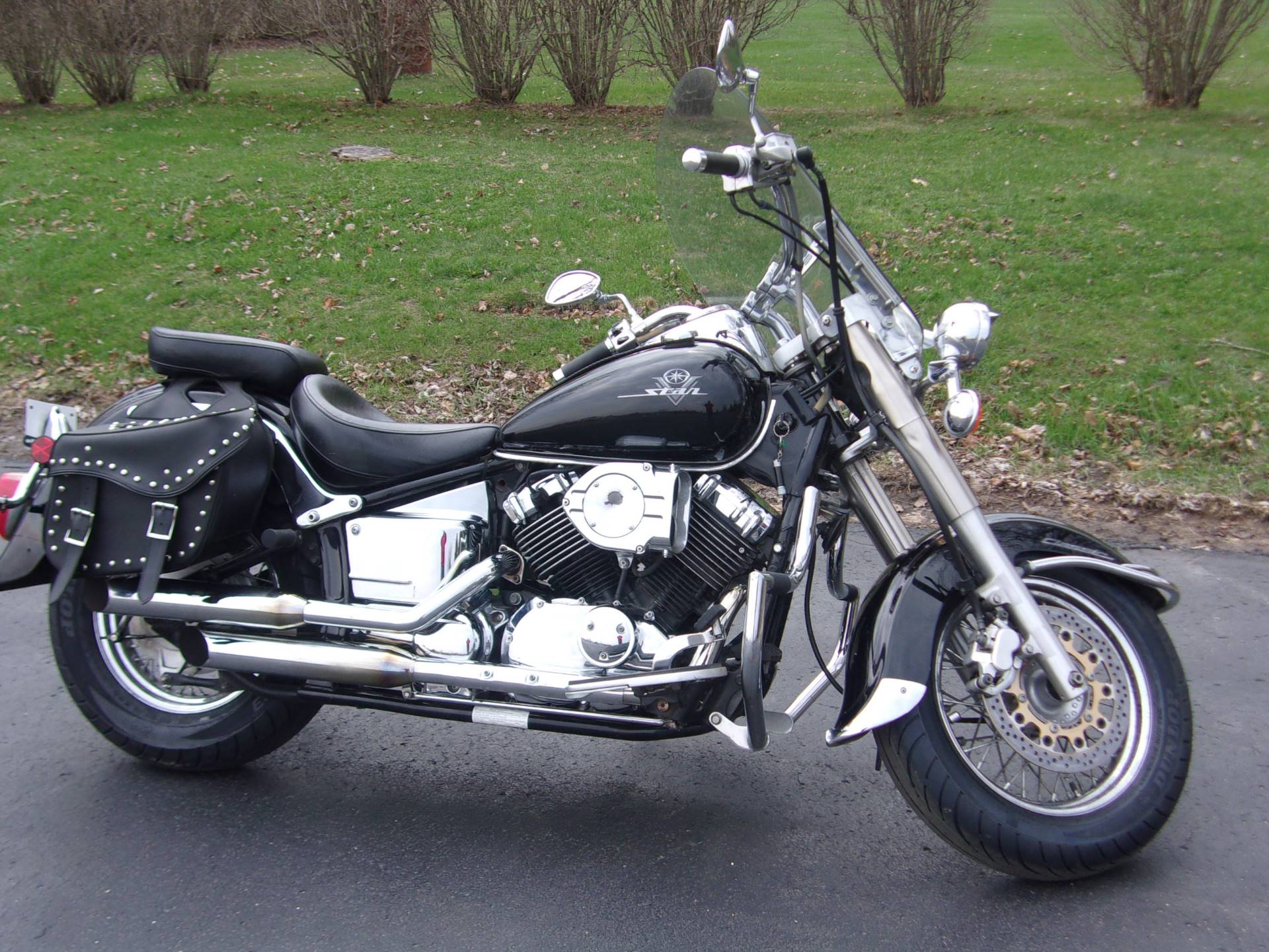 2001 Yamaha V Star Classic in Mukwonago, Wisconsin - Photo 1
