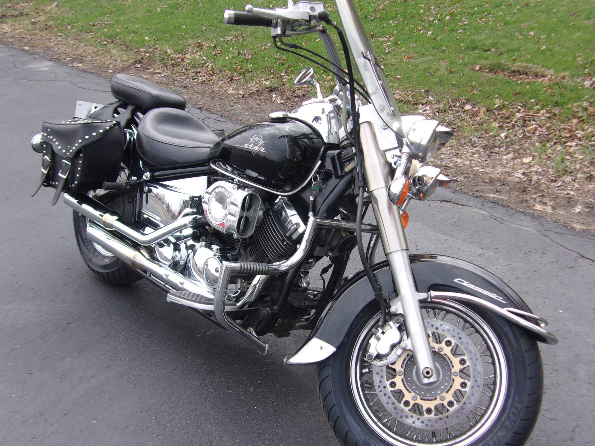 2001 Yamaha V Star Classic in Mukwonago, Wisconsin - Photo 2