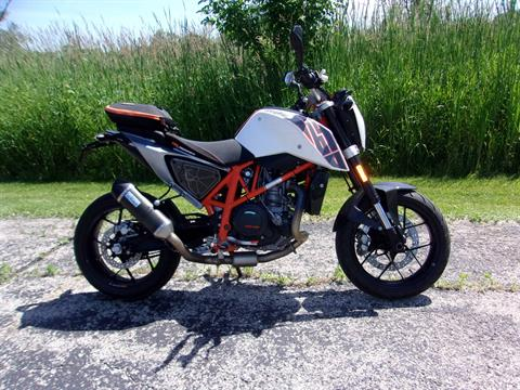 2014 KTM 690 Duke ABS in Mukwonago, Wisconsin