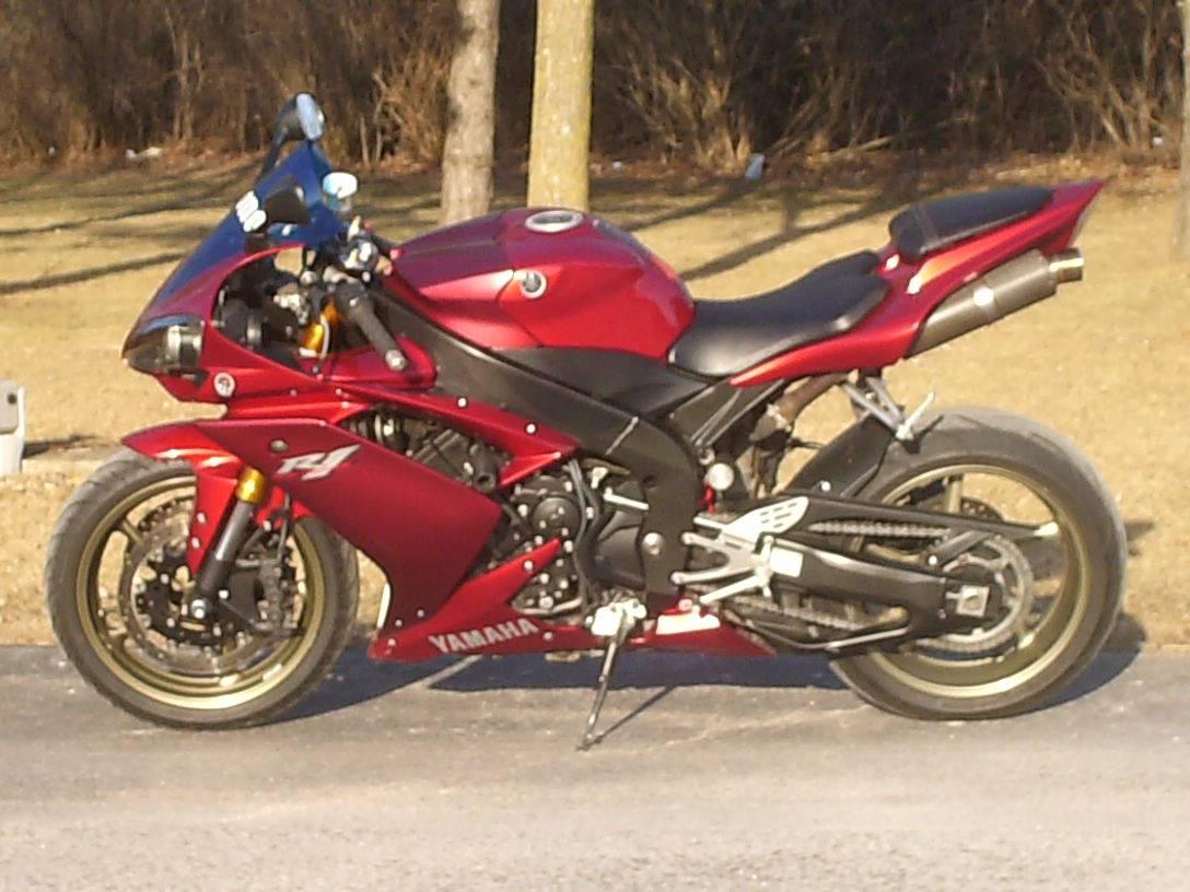 2008 Yamaha YZF-R1 3