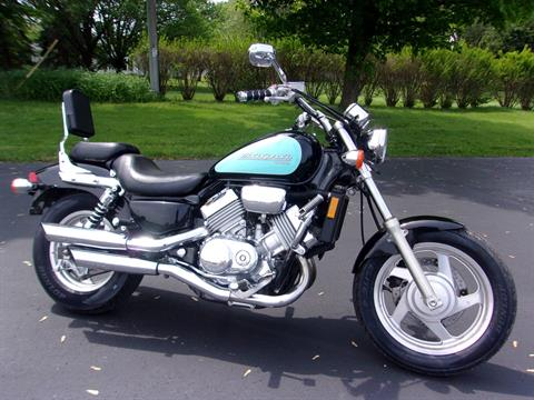 1995 Honda VF750C in Mukwonago, Wisconsin - Photo 1