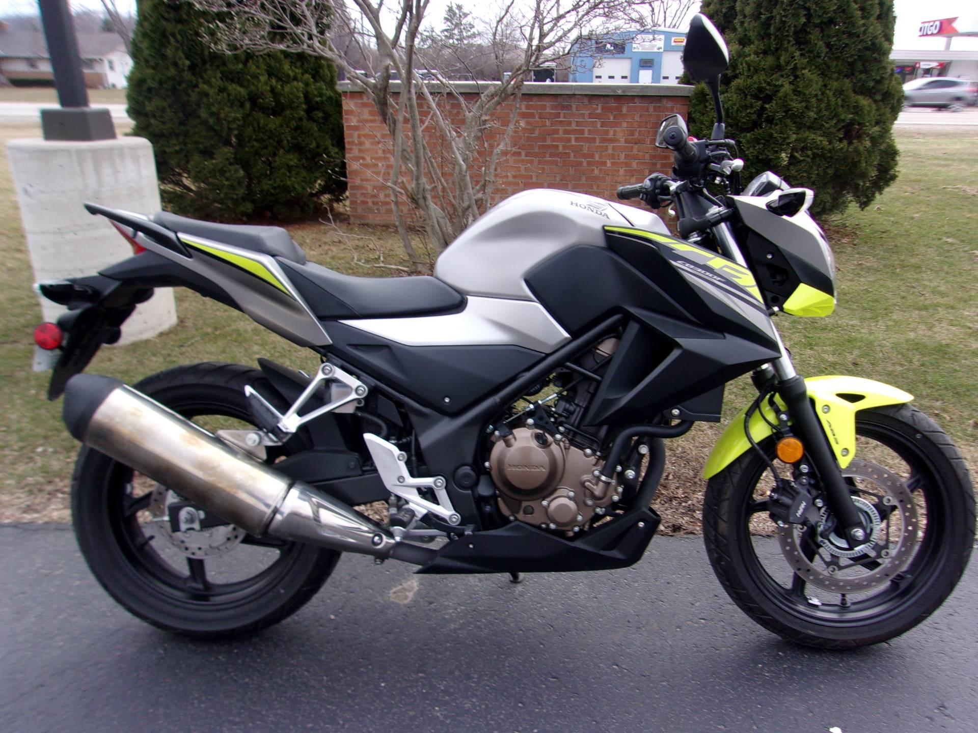 2017 Honda CB300F ABS in Mukwonago, Wisconsin