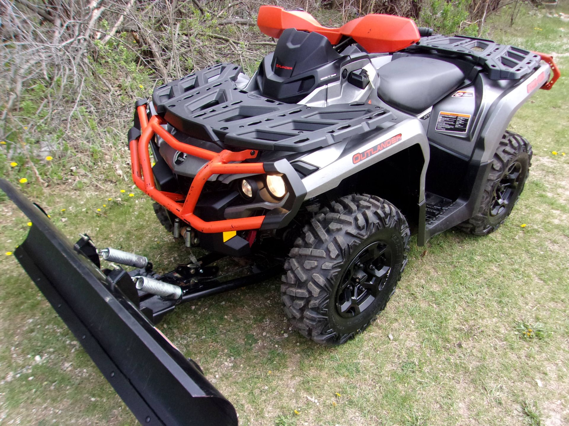 2016 Can-Am Outlander XT 650 in Mukwonago, Wisconsin - Photo 1