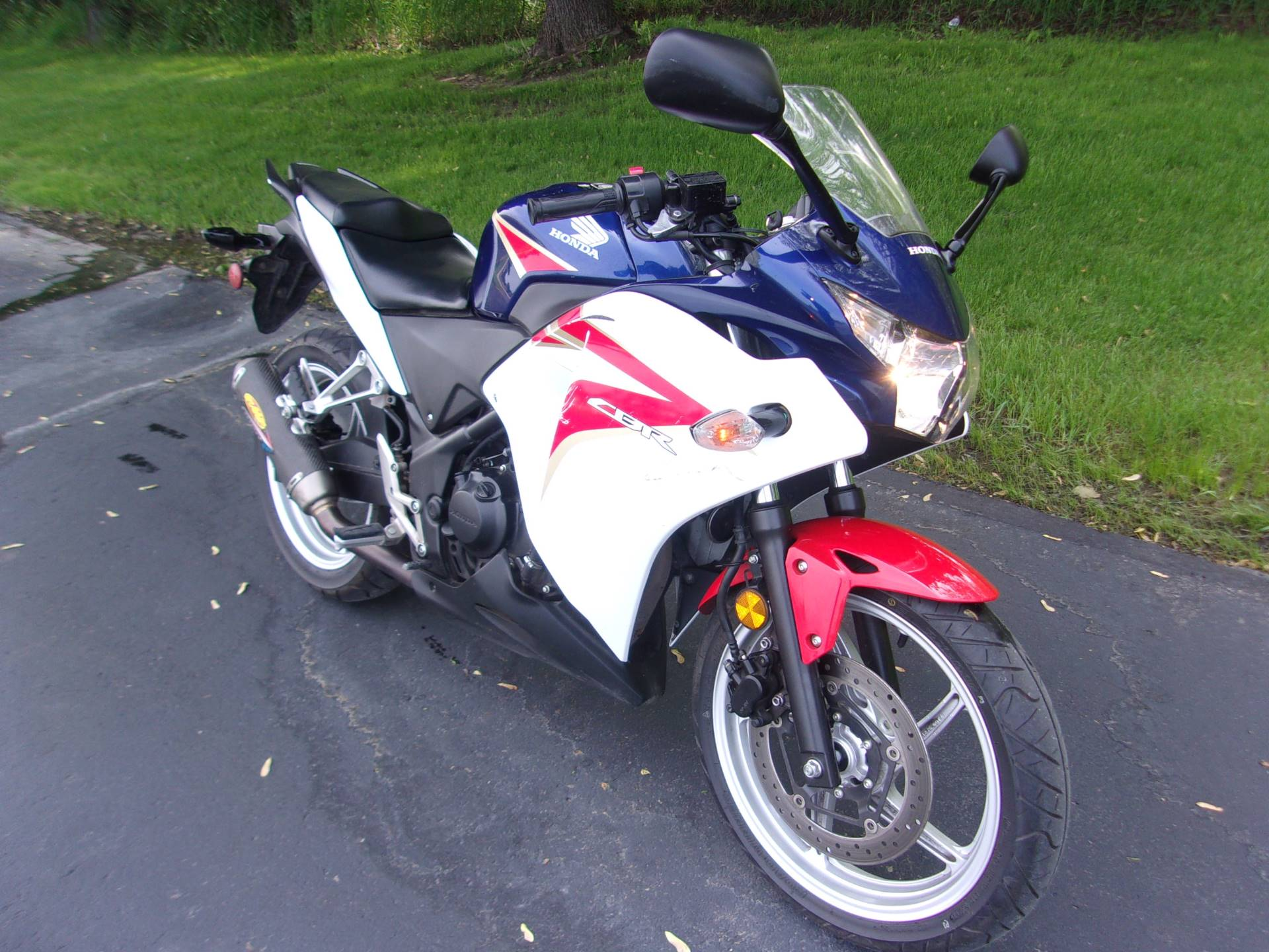 2012 Honda CBR®250R in Mukwonago, Wisconsin - Photo 2