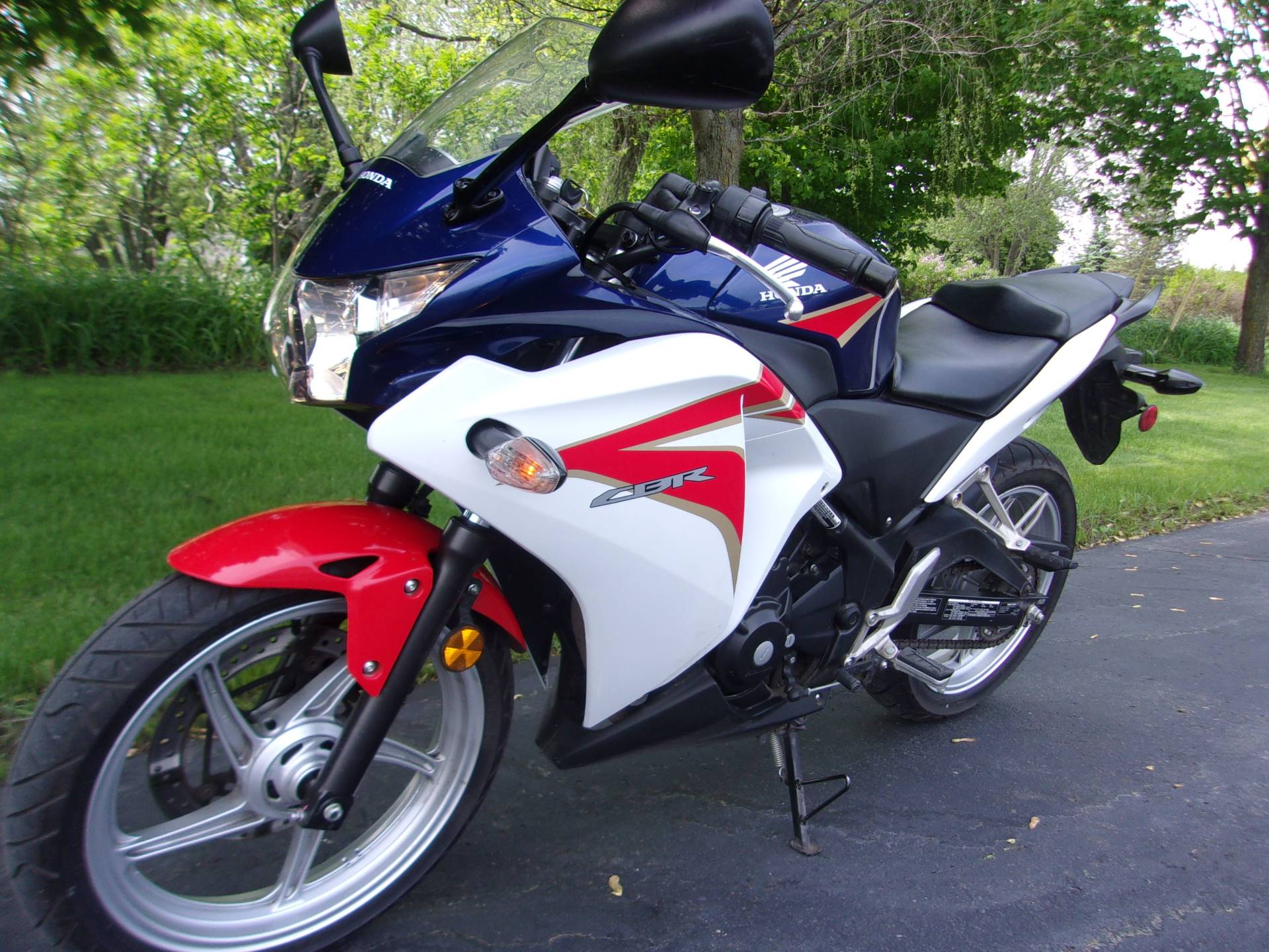 2012 Honda CBR®250R in Mukwonago, Wisconsin - Photo 5
