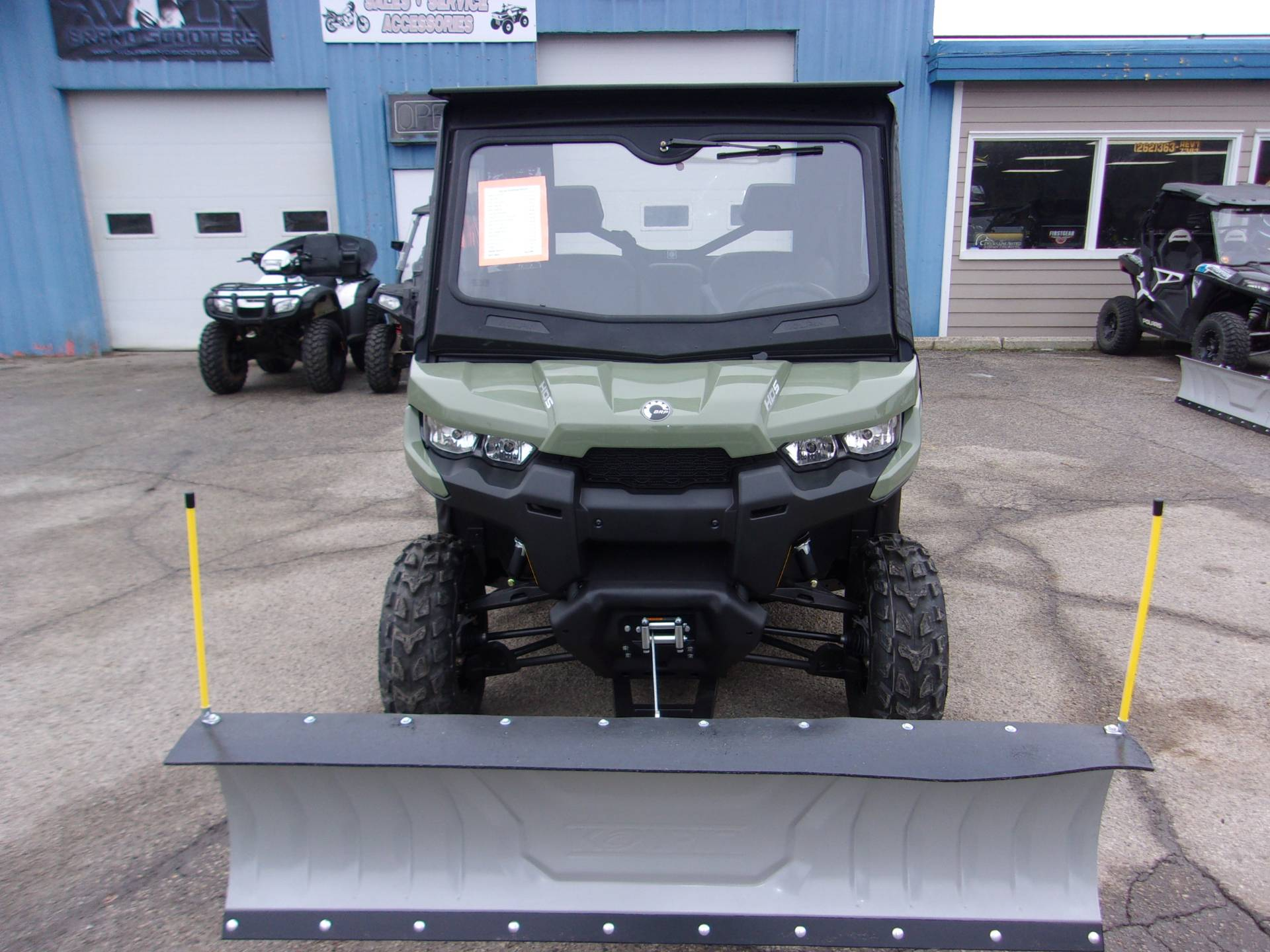 2019 Can-Am Defender DPS HD5 in Mukwonago, Wisconsin - Photo 2
