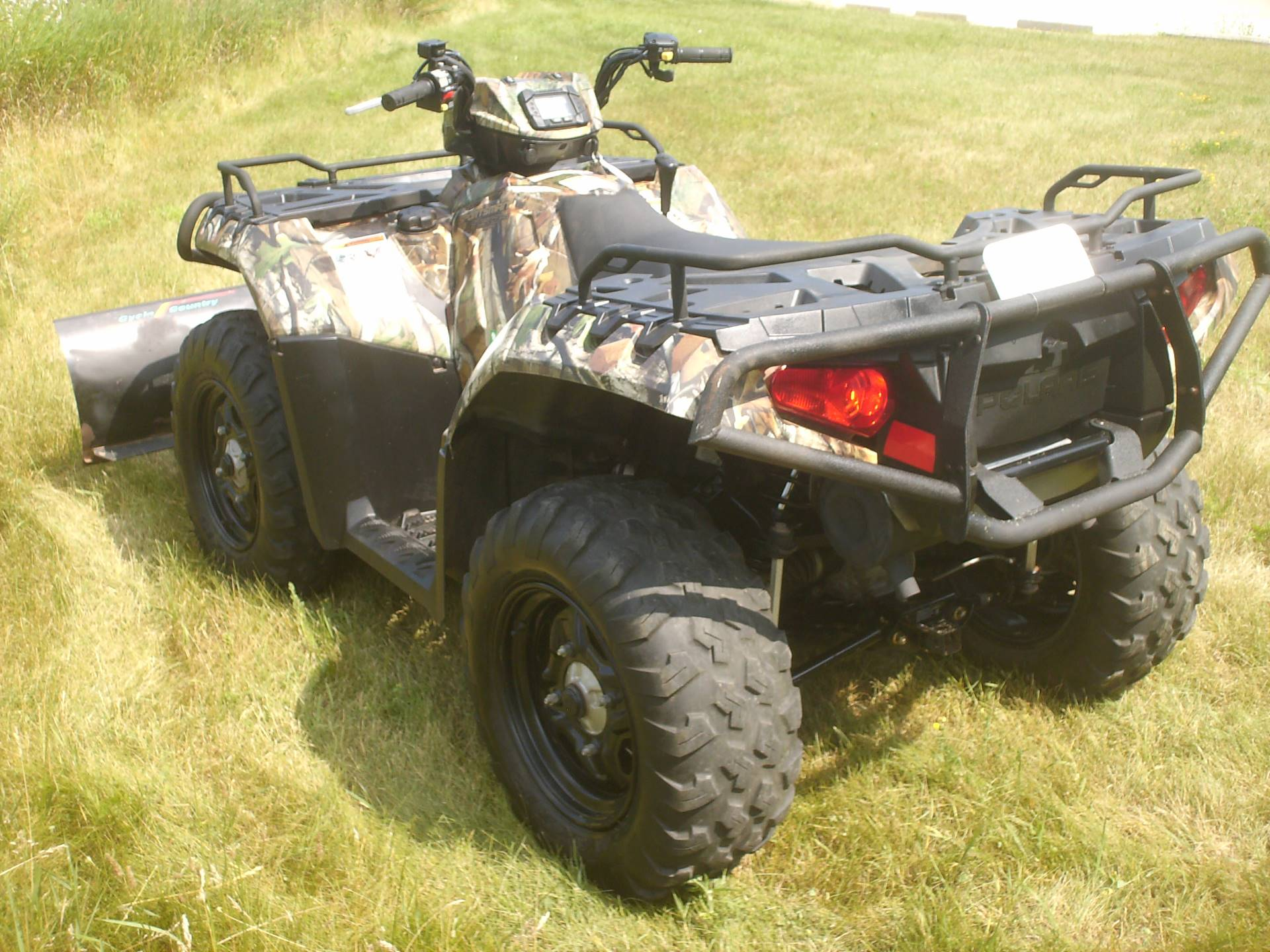 2014 Polaris Sportsman XP® 850 H.O. EPS in Mukwonago, Wisconsin