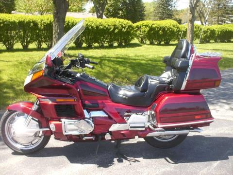 1997 Honda GL1500SE Goldwing in Mukwonago, Wisconsin - Photo 2