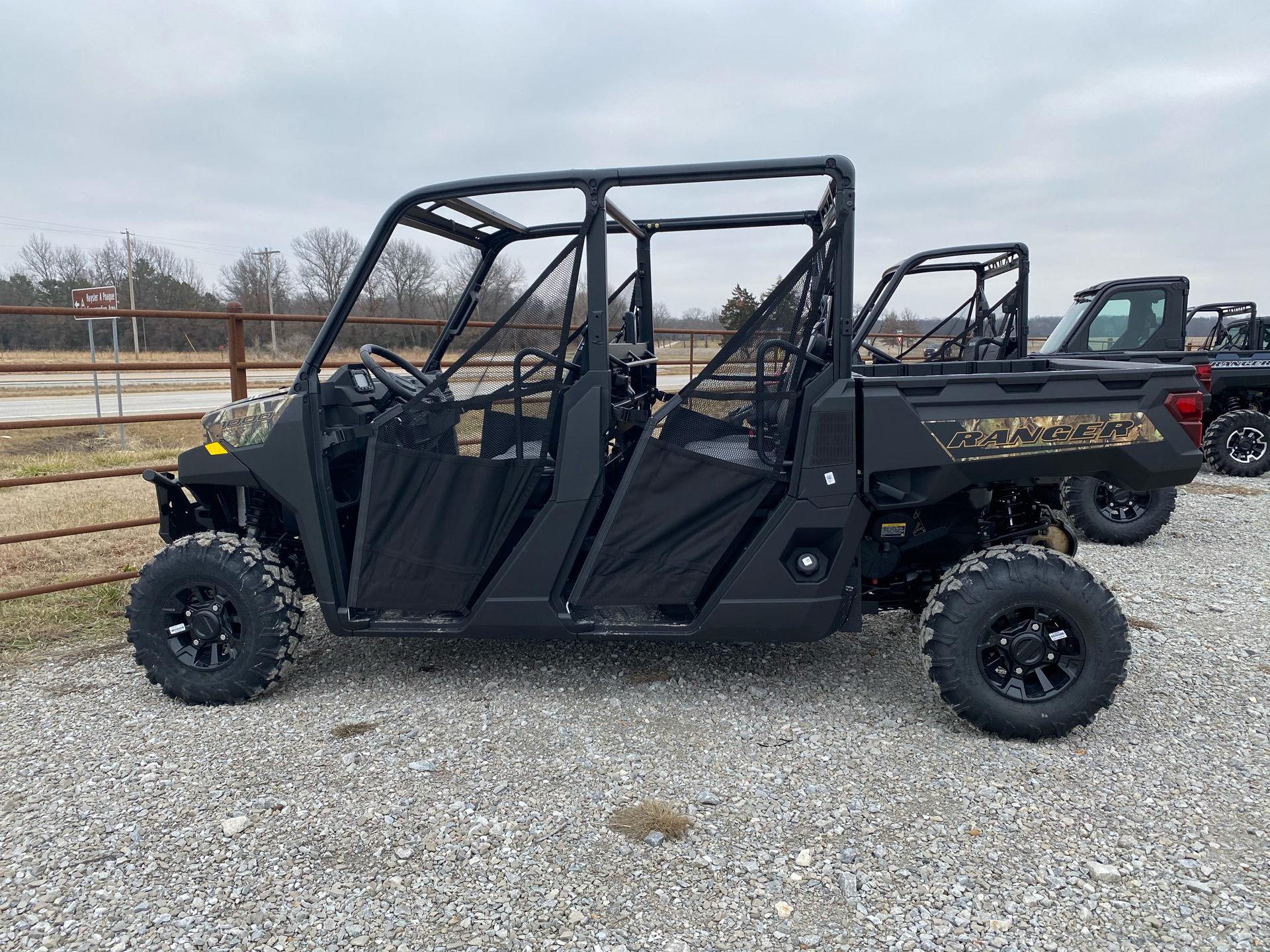 2021 Polaris Ranger Crew 1000 Premium in Bolivar, Missouri - Photo 2