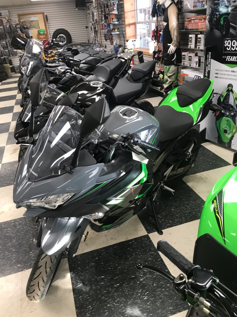 2019 Kawasaki Ninja 400 ABS in Bolivar, Missouri - Photo 2