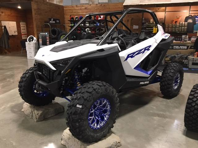 2020 Polaris RZR Pro XP Premium in Bolivar, Missouri - Photo 3