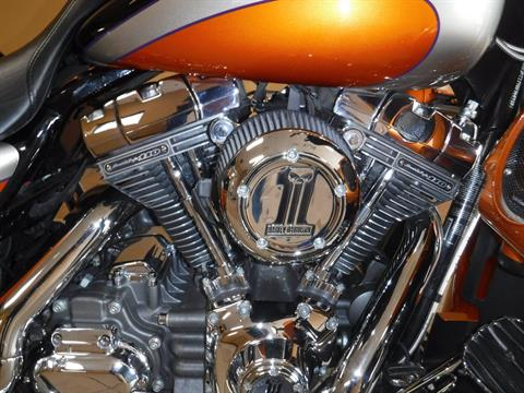 2011 Harley-Davidson CVO™ Street Glide® in Waterloo, Iowa - Photo 2