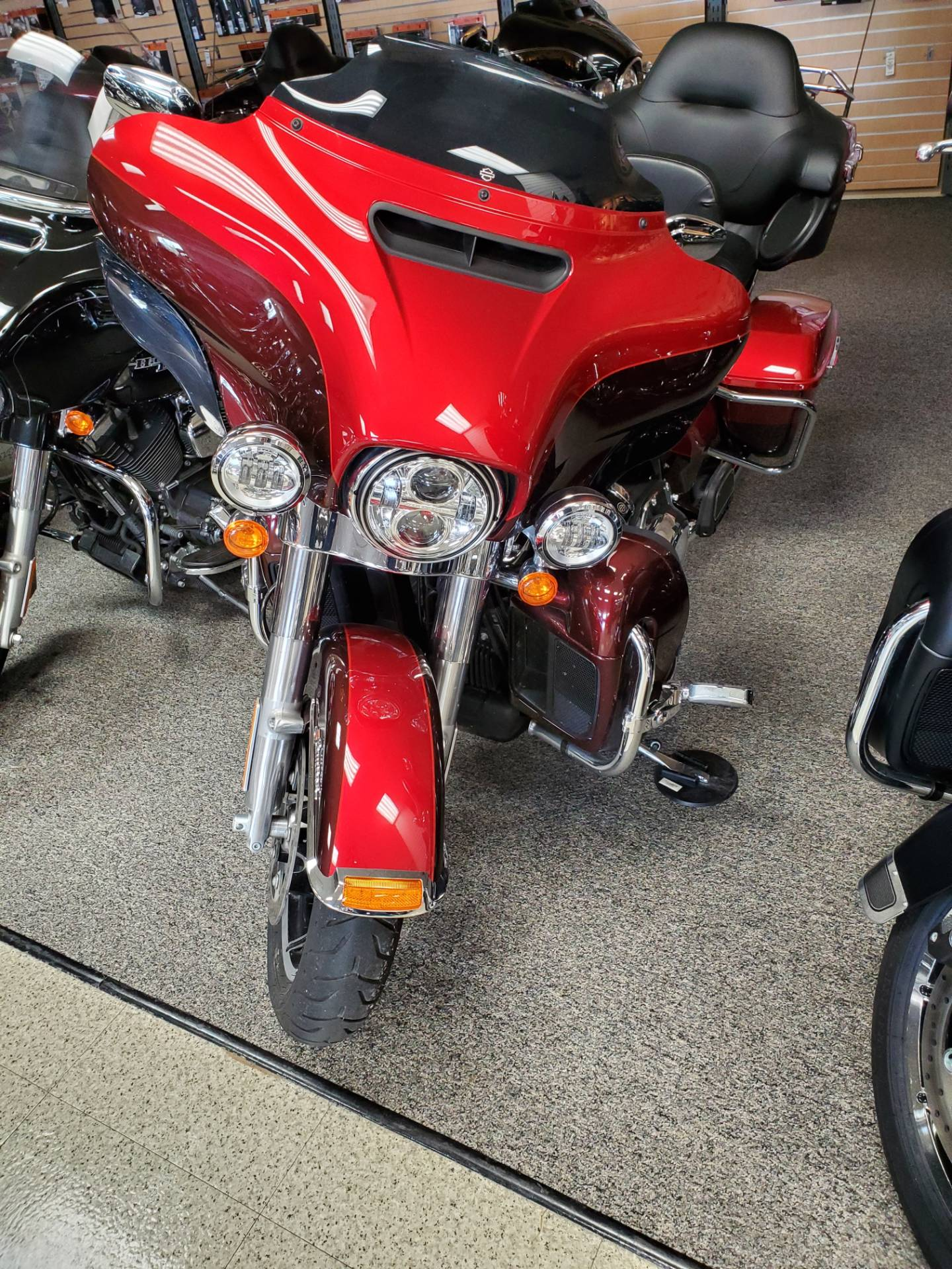 2019 Harley-Davidson Ultra Limited in Waterloo, Iowa - Photo 5