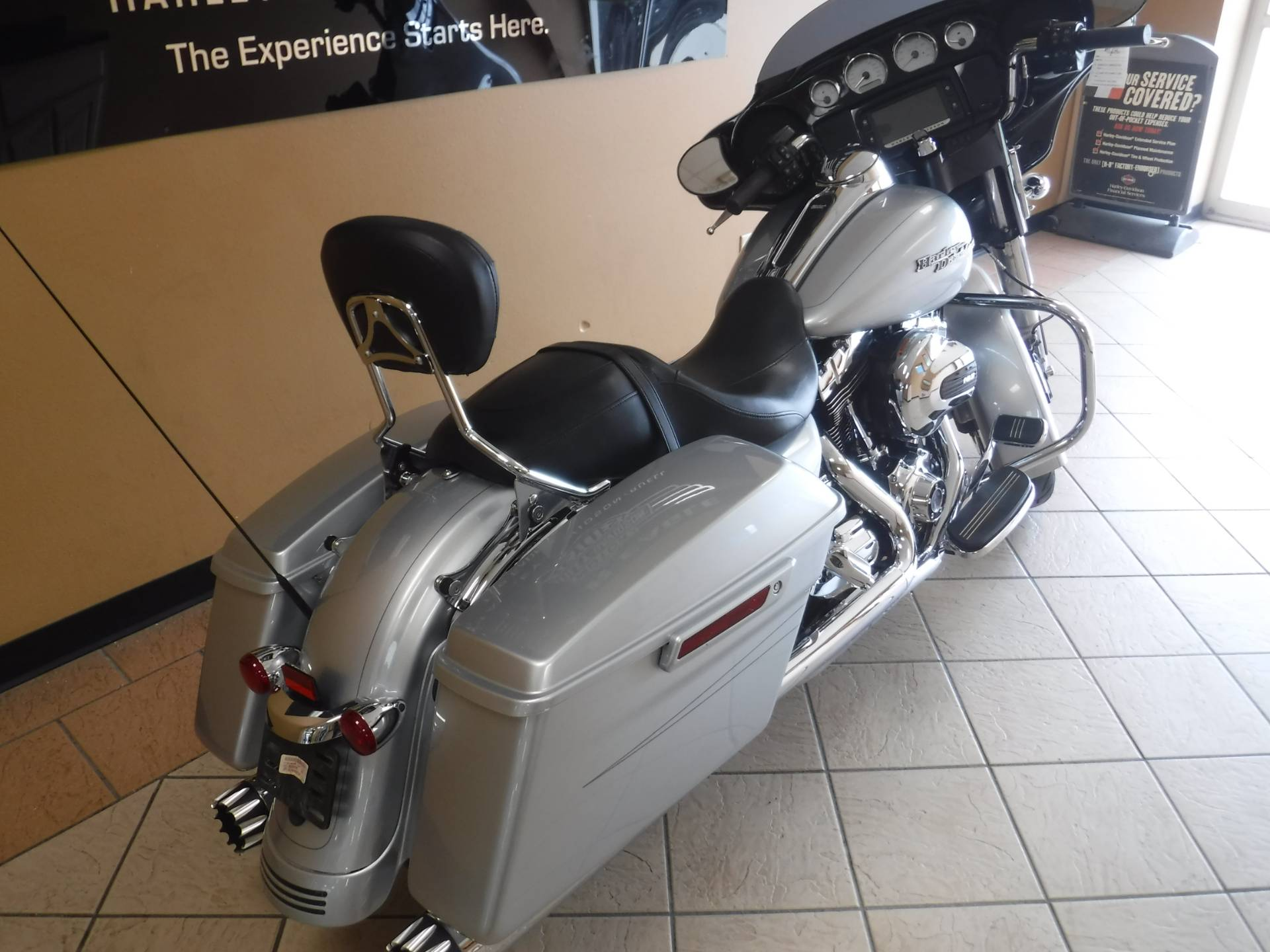 2015 Harley-Davidson Street Glide® Special in Waterloo, Iowa - Photo 3