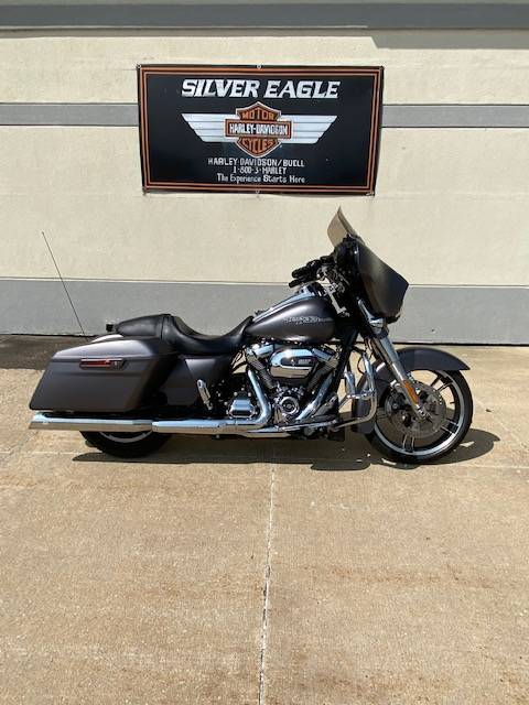 2017 Harley-Davidson Street Glide® Special in Waterloo, Iowa - Photo 7