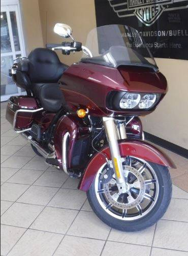 2016 Harley-Davidson Road Glide® Ultra in Waterloo, Iowa - Photo 2