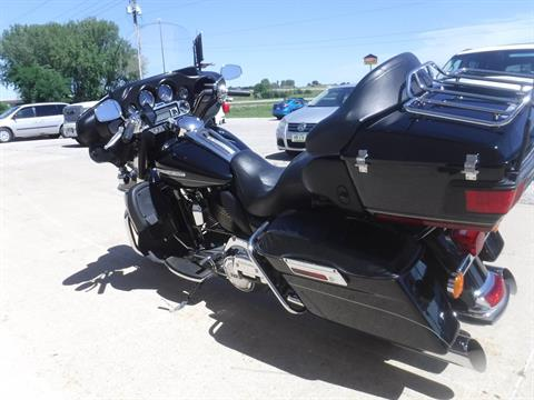 2011 Harley-Davidson Electra Glide® Ultra Limited in Waterloo, Iowa - Photo 6