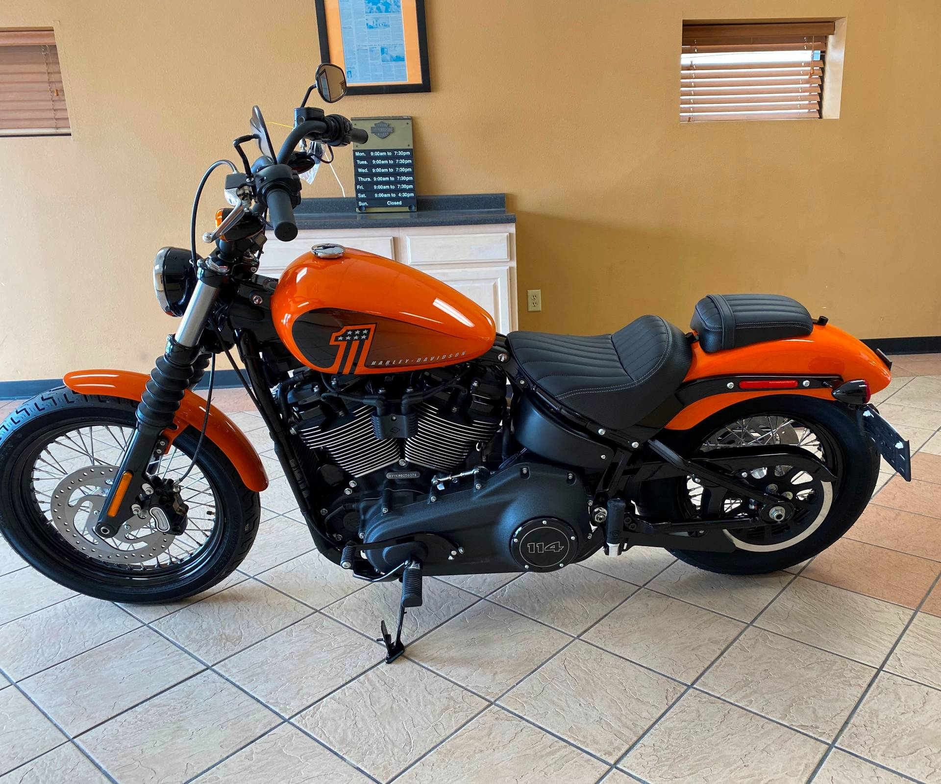 2021 Harley-Davidson Street Bob® 114 in Waterloo, Iowa - Photo 5