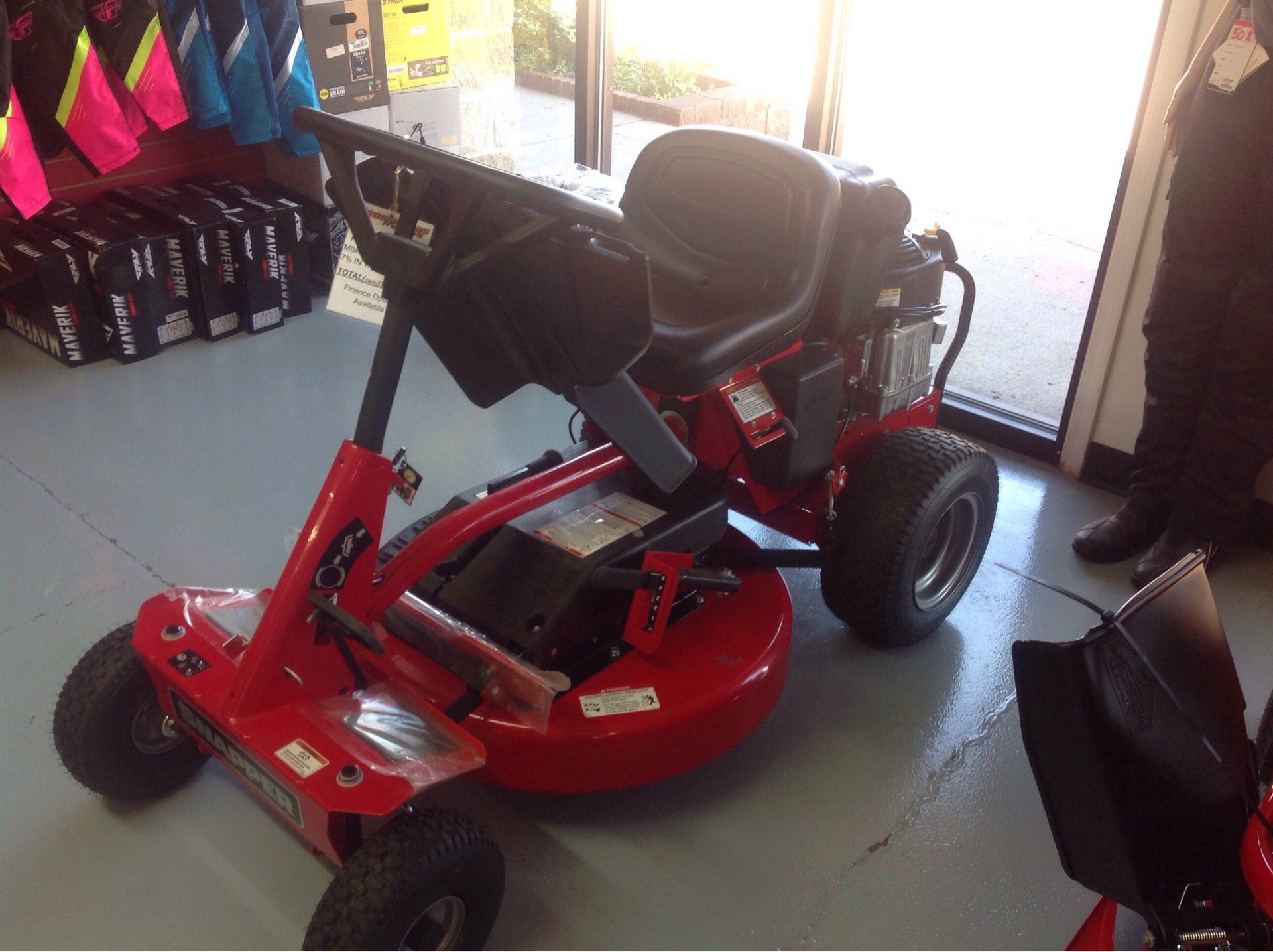 2019 Snapper 2811525BVE Rear Engine Rider 28 in. Briggs & Stratton 11.5 hp in Lafayette, Indiana - Photo 1