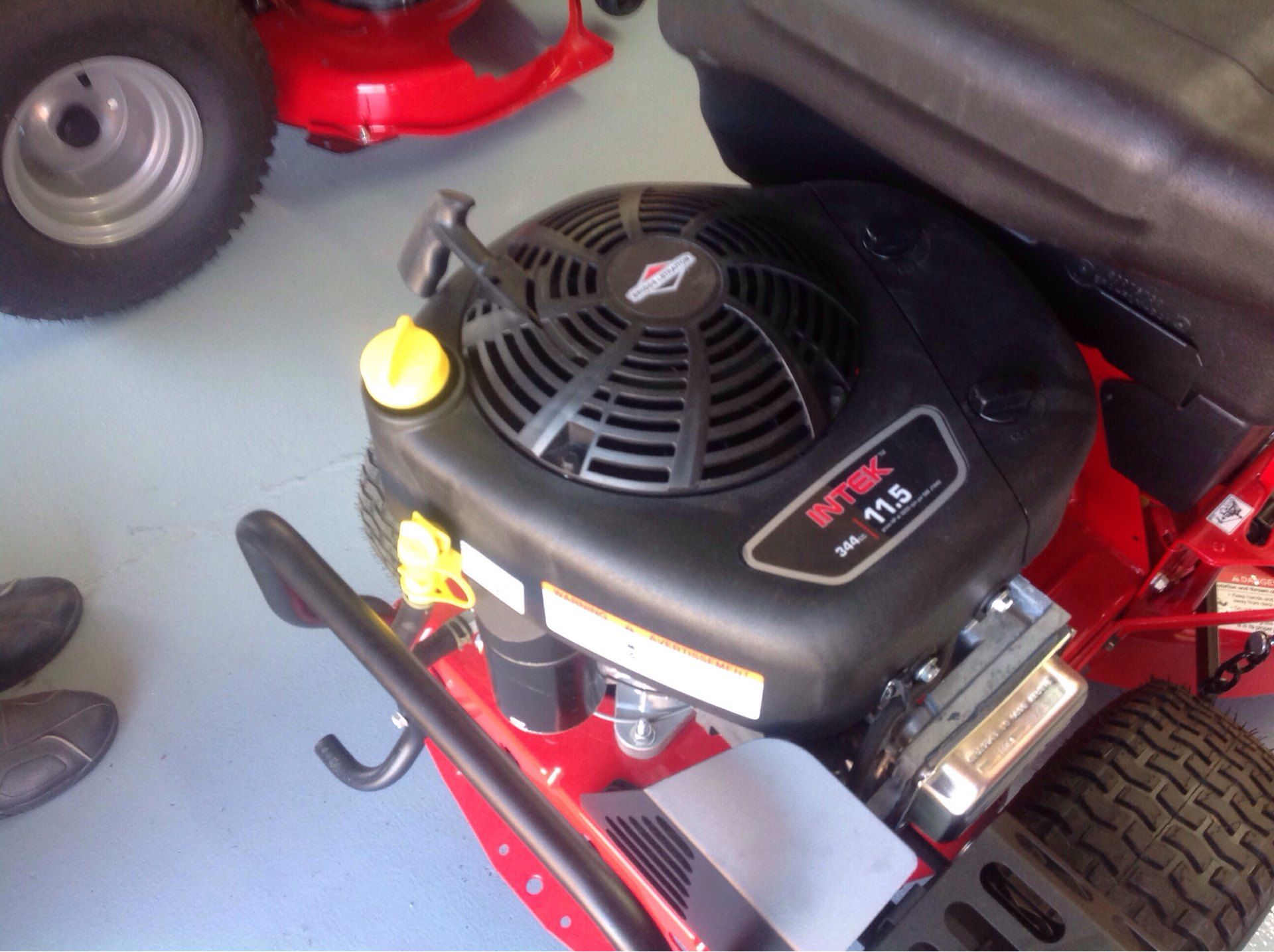 2019 Snapper 2811525BVE Rear Engine Rider 28 in. Briggs & Stratton 11.5 hp in Lafayette, Indiana - Photo 3