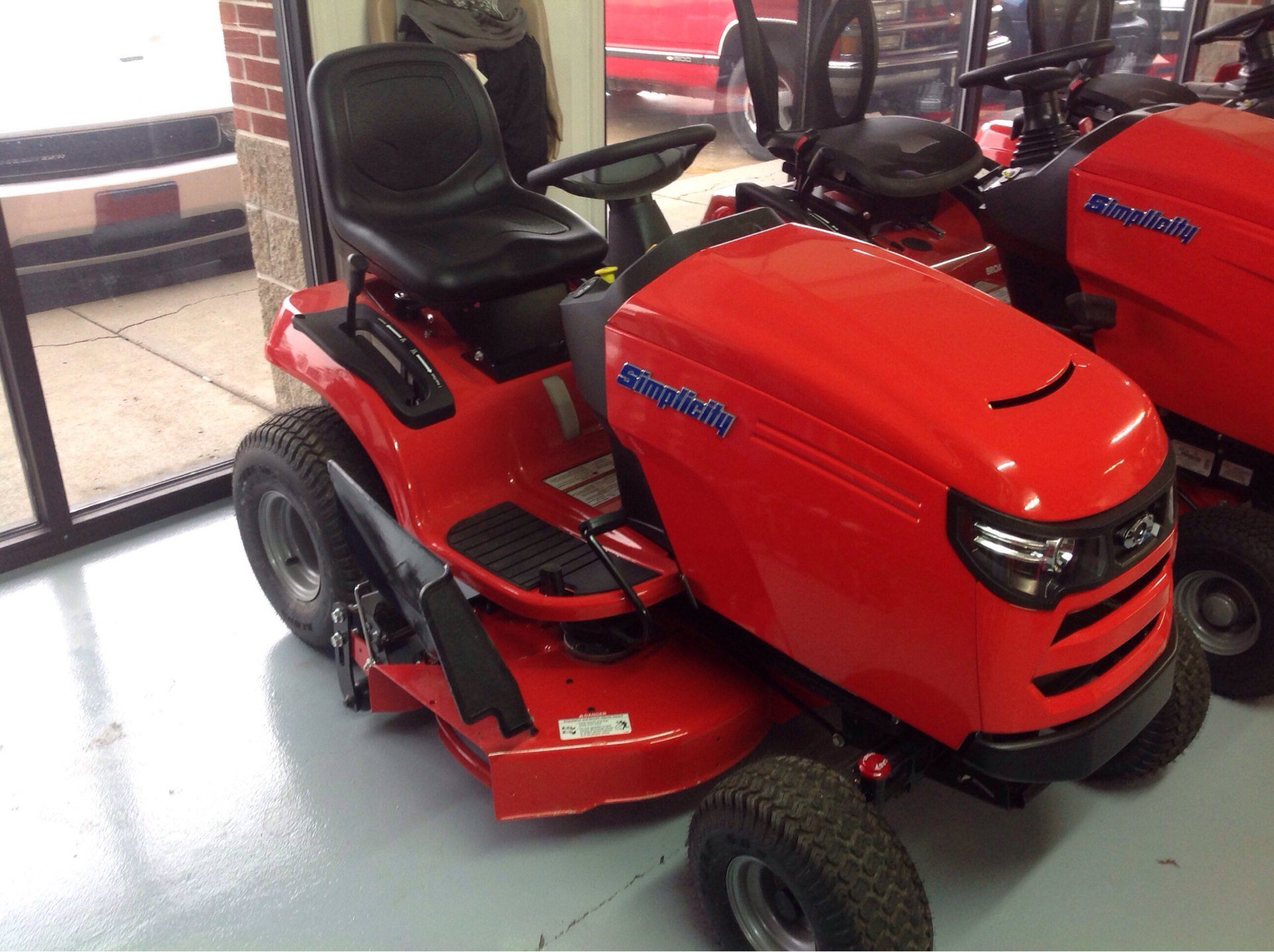 2019 Simplicity Regent 38 in. Briggs & Stratton 23 hp in Lafayette, Indiana - Photo 2