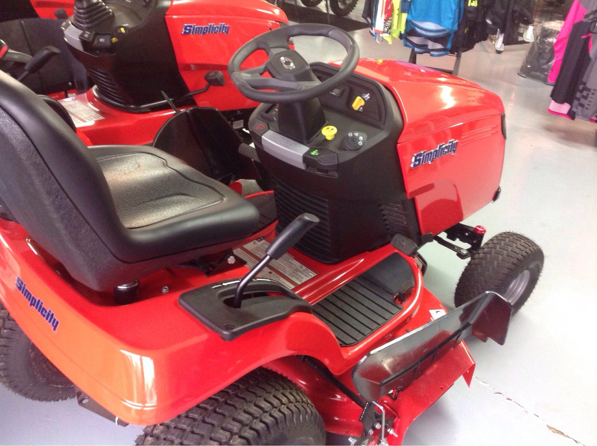 2019 Simplicity Regent 38 in. Briggs & Stratton 23 hp in Lafayette, Indiana - Photo 4