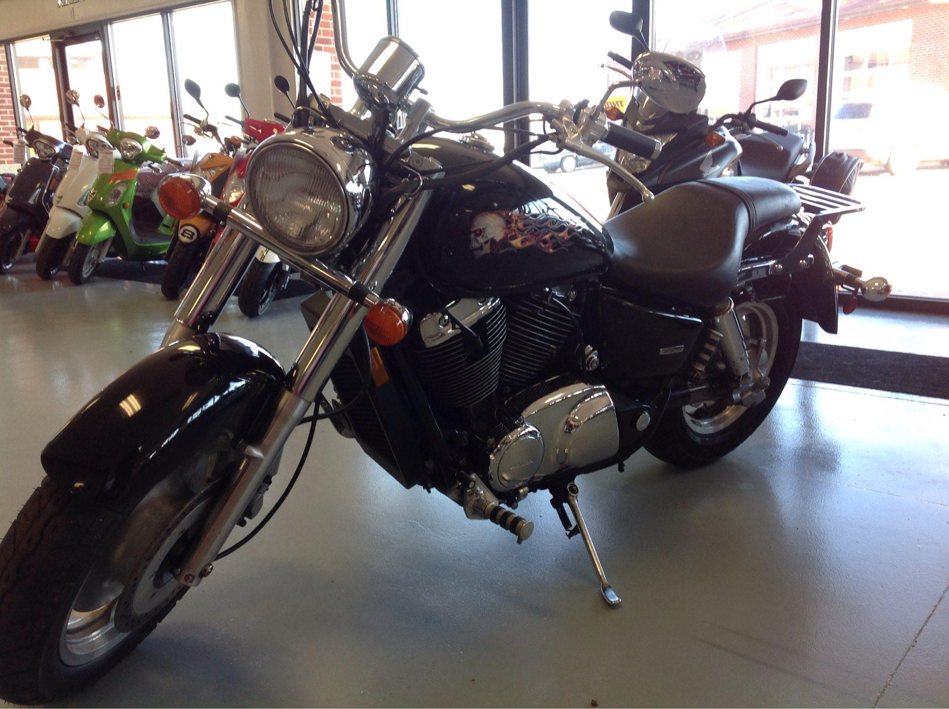 2006 Honda SHADOW SABRE in Lafayette, Indiana - Photo 1