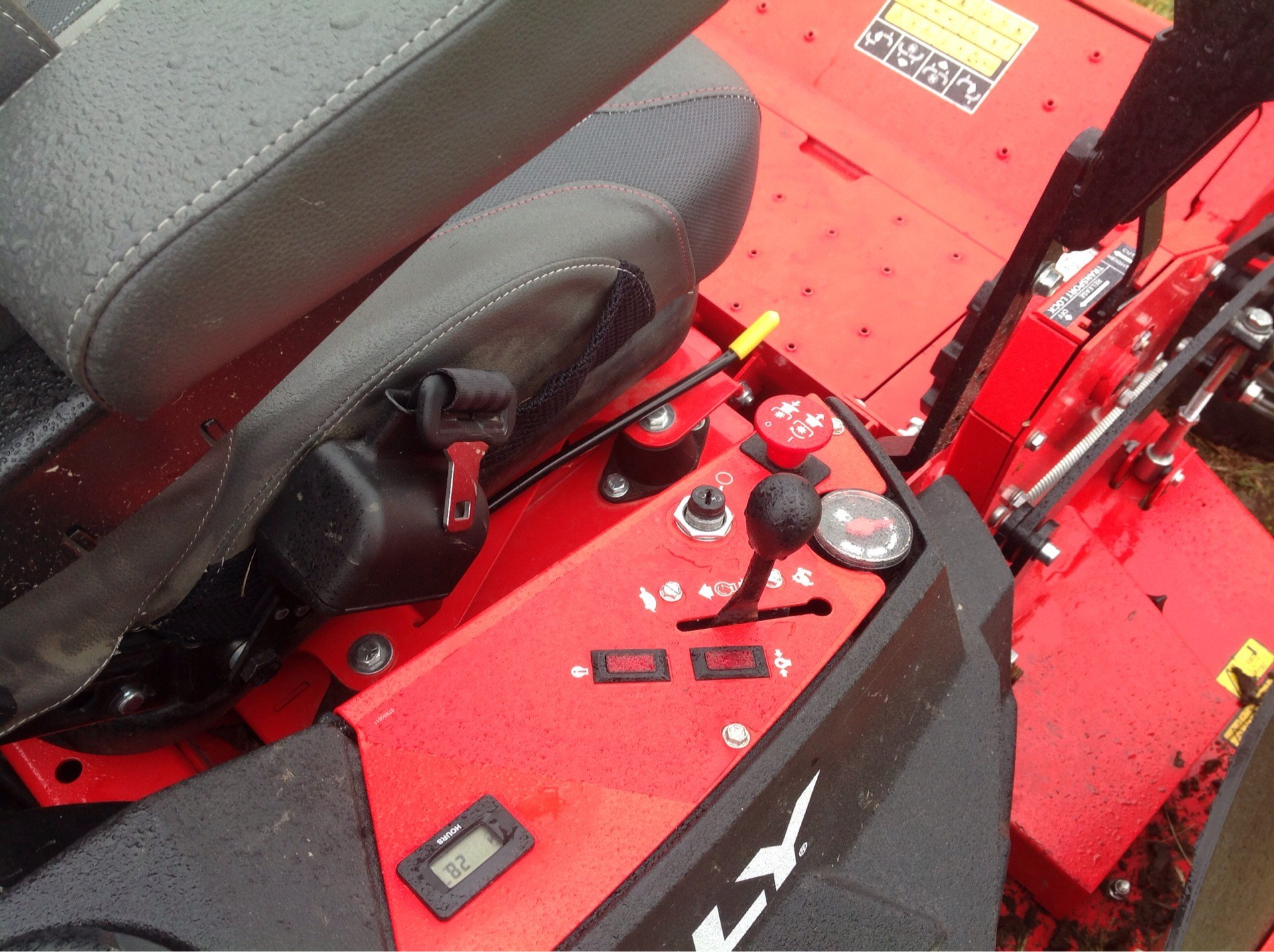 2019 Gravely USA Pro-Turn 460 60 in. Yamaha MX825V EFI 33 hp in Lafayette, Indiana - Photo 6