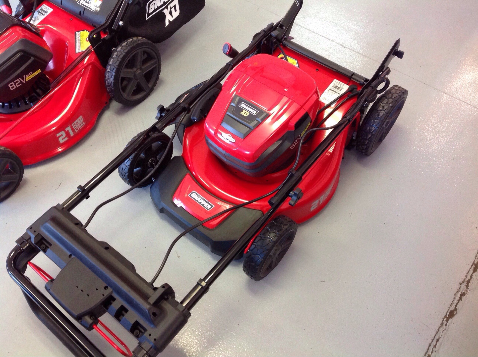 Snapper SXD21SSWM82 21 in. 82V Max StepSense Automatic Drive in Lafayette, Indiana - Photo 4