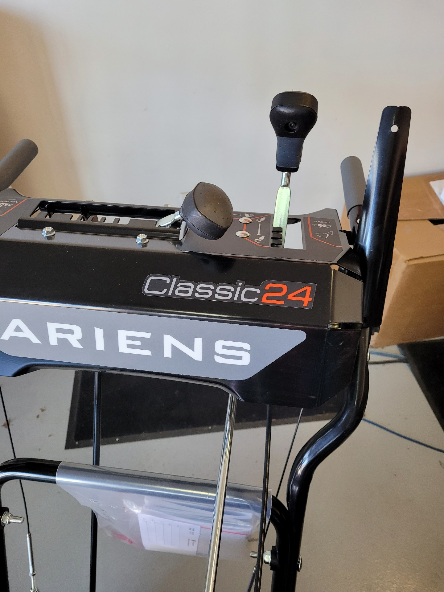 Ariens Classic 24 in Lafayette, Indiana - Photo 8