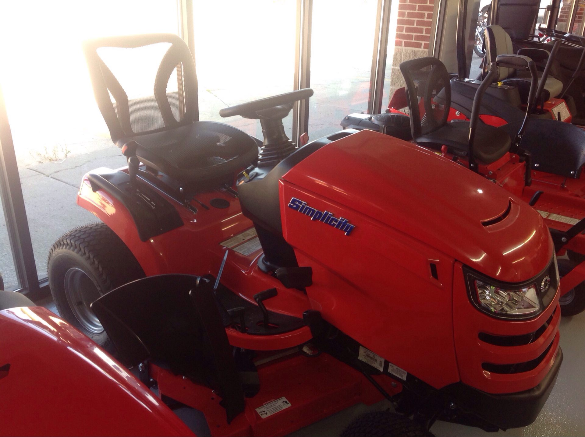 2019 Simplicity Broadmoor 48 in. Briggs & Stratton 25 hp in Lafayette, Indiana - Photo 3